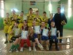 Команды юношей и девушек, победители первенства ДЮСШ по волейболу, тренер-преподаватель А.Н.Бобин